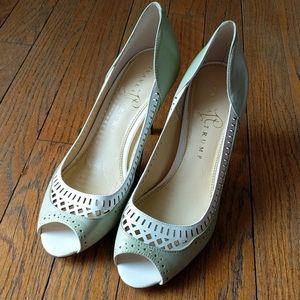 Insanely cute heels